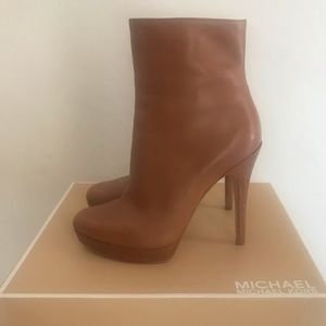 MICHAEL KORS York Ankle Boot